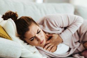 دلایل درد قفسه سينه هنگام خواب