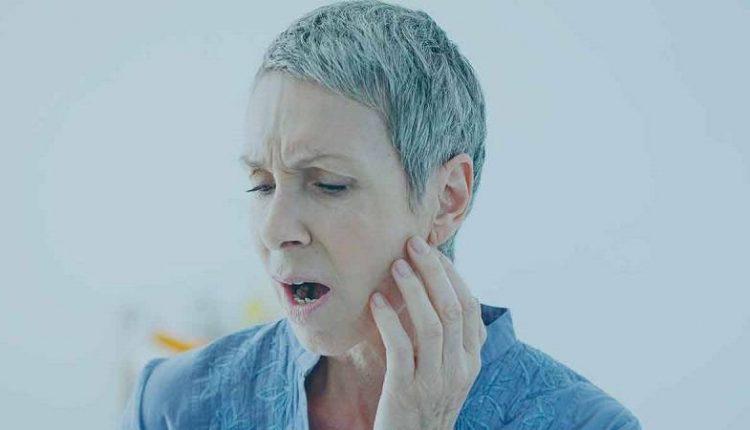 ایجاد درد فک ناشی از حمله قلبی در خانم ها