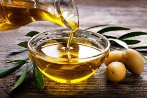 روغن زیتون مفید برای درمان خانگی واریس